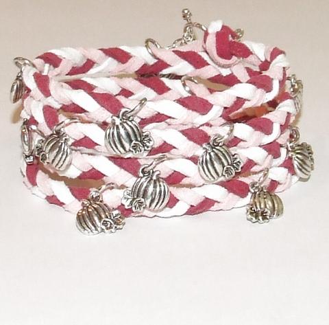 Wikkel armband met bedels wit/roze
