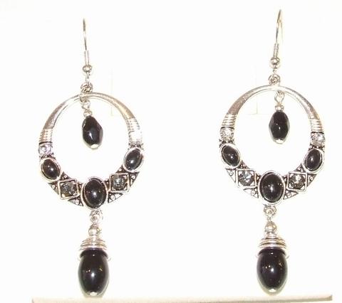 Oorbellen zwart 0253   Prachtige zwarte oorbellen