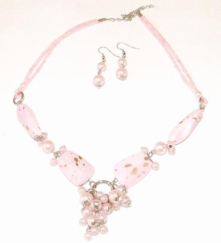 Ketting + oorbellen roze