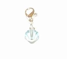 Flying charm glaskraal aqua blauw