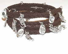 Wikkel armband met bedels bruin