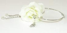 Oorbel bloem 95166 | Witte bloemoorbel met bedels roos GTST